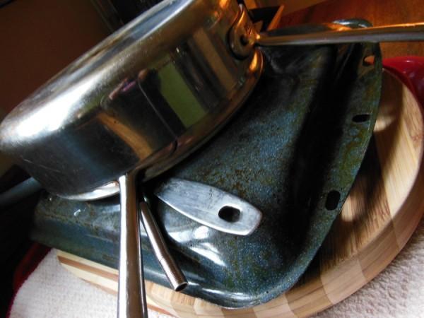 Clean pans